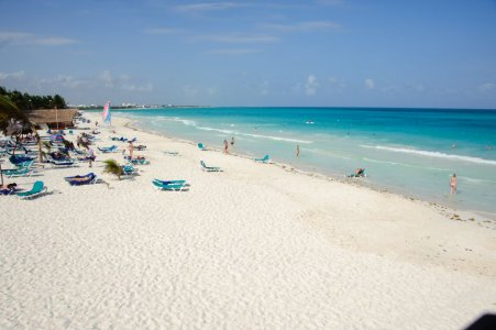 Plafe de sable blanc, mer de turquoise...